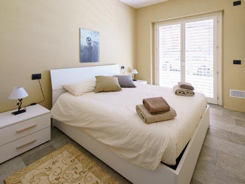 Foto van Appartement  Alex71_Gera_Lario_40_Doppelbett-Schlafzimmer