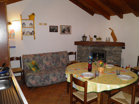 Bilder Ferienresidenz Baita_del_Romy_Gravedona_30_Wohnraum in Comer See Lombardei