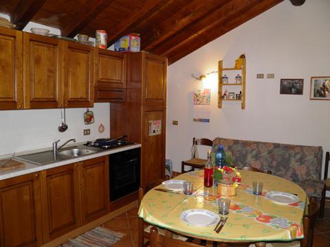 Bilder Ferienresidenz Baita_del_Romy_Gravedona_35_Kueche in Comer See Lombardei