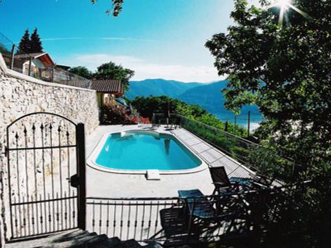 Bilder Ferienhaus Lago Maggiore Bellissime_Quarto_823_Bassano-Tronzano_15_Pool in Piemont