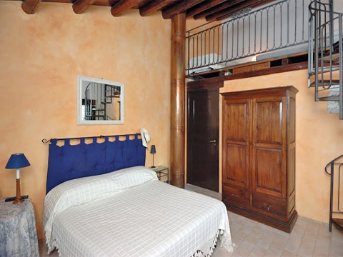 Bilder Ferienhaus Campagna_66__40_Doppelbett-Schlafzimmer in