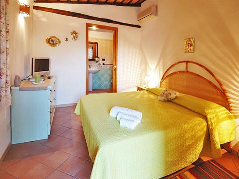 Bilder Villa Carina_54__41_Doppelbett in Sizilien Nordküste Sizilien