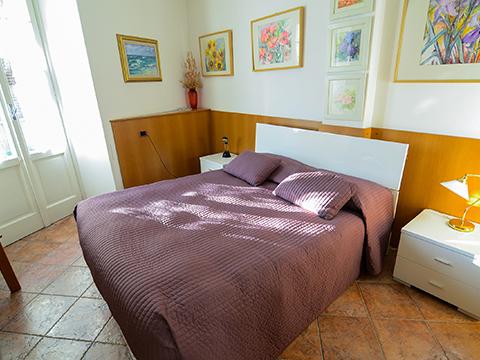 Bilder Ferienwohnung Comer See Cavour_Bellagio_40_Doppelbett-Schlafzimmer in Lombardei