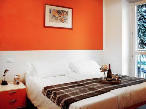Bilder Ferienwohnung Comer See Cedro_207_Domaso_40_Doppelbett-Schlafzimmer in Lombardei