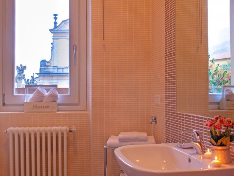 Bilder Ferienwohnung Comer See Cedro_207_Domaso_50_Bad in Lombardei