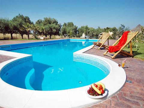 Bilder Villa Chiara_43__15_Pool in Sizilien Nordküste Sizilien