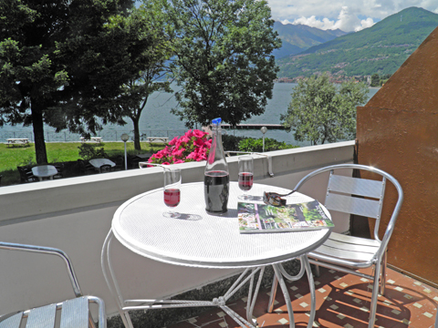 Bild von Ferienhaus am Comer See Clara_Secondo_Domaso_10_Balkon