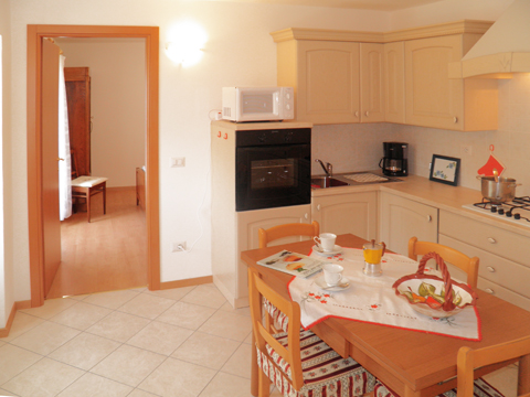 Foto van Appartement  Dalida_Gravedona_35_Kueche