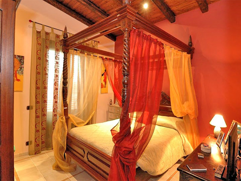 Bilder Villa Del_Parco_56__40_Doppelbett-Schlafzimmer in