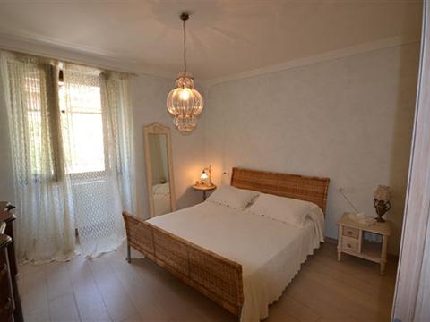 Bilder Ferienwohnung Comer See Fantastico_Domaso_40_Doppelbett-Schlafzimmer in Lombardei