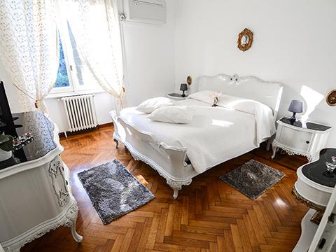 Bilder Ferienwohnung Comer See Favola_Bellagio_40_Doppelbett-Schlafzimmer in Lombardei