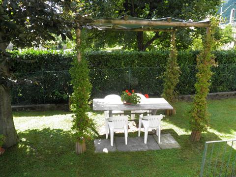 Picture of Lake Como apartment Fiorita_Lenno_20_Garten