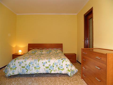 Bilder Ferienwohnung Comer See Flori_Gera_Lario_40_Doppelbett-Schlafzimmer in Lombardei
