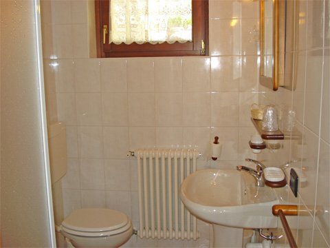Bilder Ferienwohnung Giacomino_Typ_1_Sorico_50_Bad in Comer See Lombardei