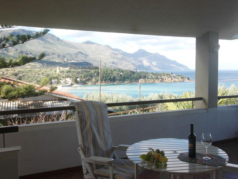 Bilder Villa Guidaloca_Castellammare_del_Golfo_11_Terrasse in Sizilien Nordküste Sizilien