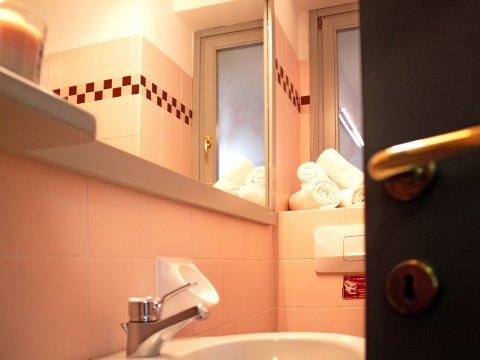 Bilder Ferienhaus Il_Bosso_203_Domaso_50_Bad in Comer See Lombardei