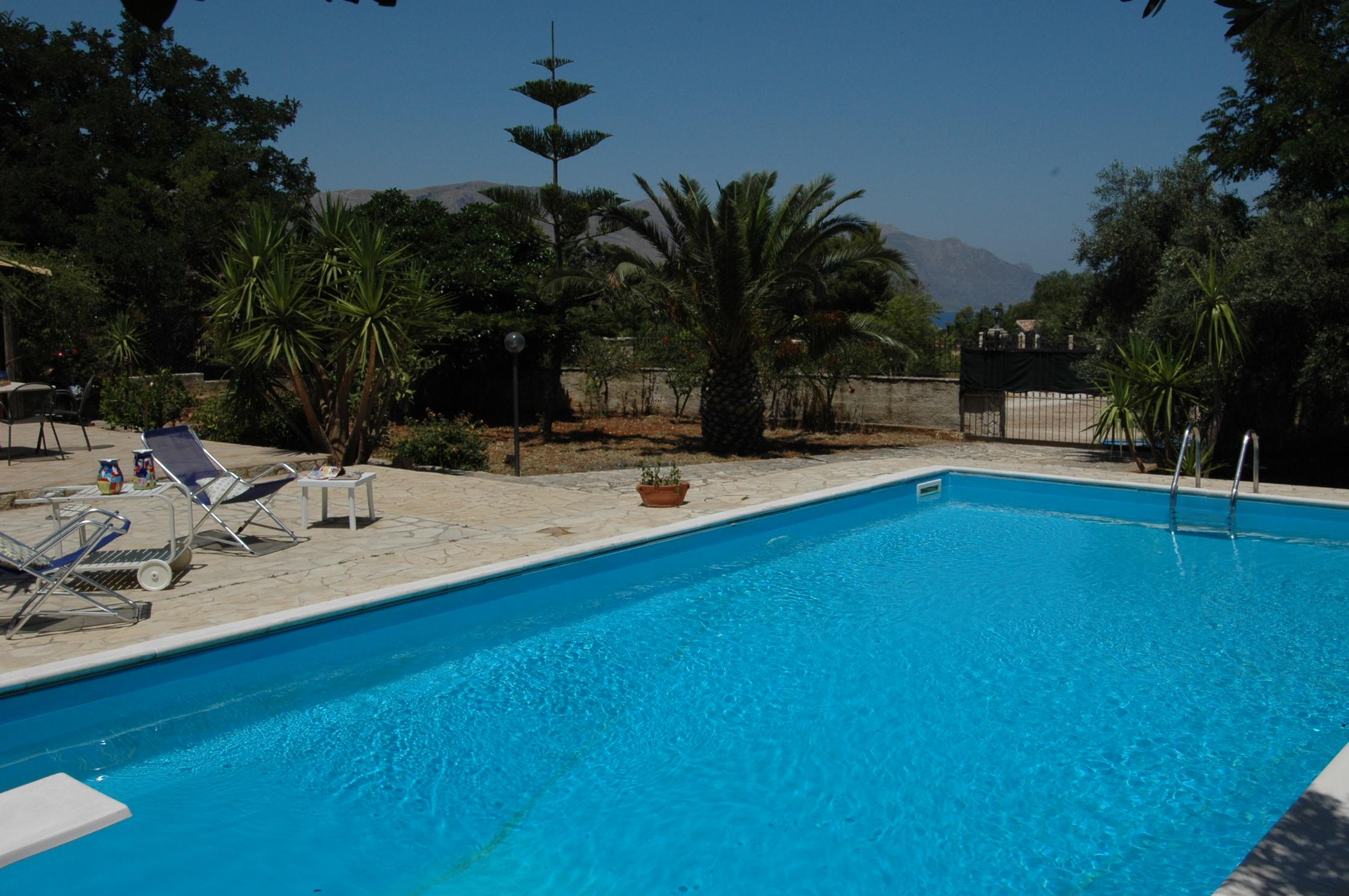 Bilder Villa Isa_Castellammare_del_Golfo_15_Pool in Sizilien Nordküste Sizilien