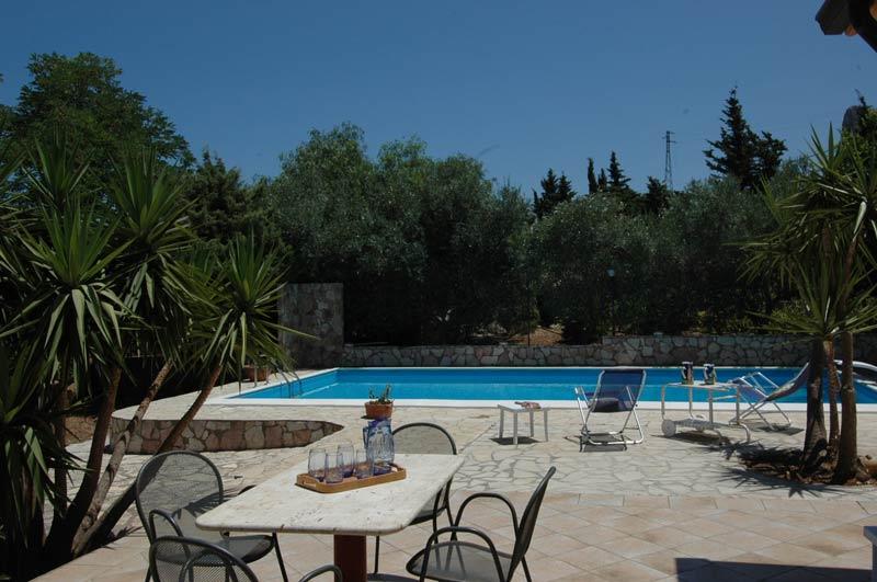 Bilder Villa Isa_Castellammare_del_Golfo_16_Pool in Sizilien Nordküste Sizilien