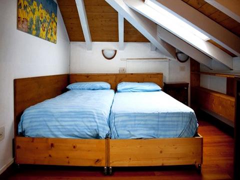 Bilder Ferienwohnung Lago Maggiore Josefa_Primo_3779_Verbania_40_Doppelbett-Schlafzimmer in Piemont