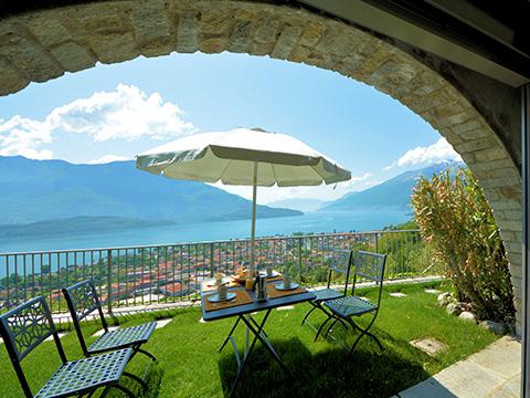 Bilder Ferienwohnung Comer See Larianella_Vercana_21_Garten in Lombardei
