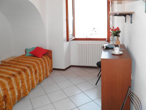 Bilder Rustico Liliana_Pianello_del_Lario_45_Schlafraum in Comer See Lombardei