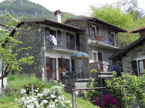 Bilder Ferienwohnung Loredana_Gravedona_21_Garten in Comer See Lombardei