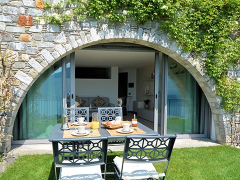 Bilder Ferienwohnung Lucia_Vercana_21_Garten in Comer See Lombardei