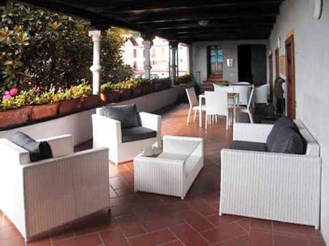 Bilder Ferienwohnung Mariucca_Azalea_757_Lesa_11_Terrasse in Lago Maggiore Piemont