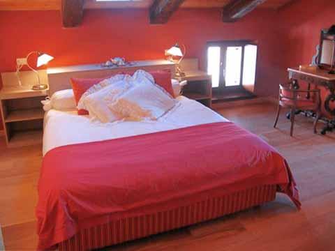 Bilder Ferienwohnung Mariucca_Azalea_757_Lesa_40_Doppelbett-Schlafzimmer in Lago Maggiore Piemont