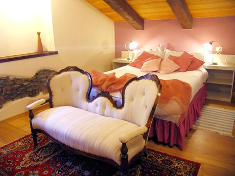 Bilder Ferienwohnung Mariucca_Camelia_754_Lesa_40_Doppelbett-Schlafzimmer in Lago Maggiore Piemont