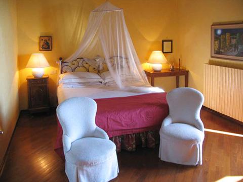 Bilder Ferienwohnung Lago Maggiore Mariucca_Magnolia_756_Lesa_40_Doppelbett-Schlafzimmer in Piemont