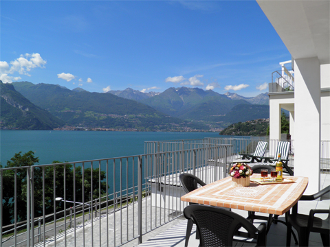 Bilder Ferienwohnung Comer See Mery__11_Terrasse in Lombardei