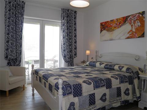 Bilder Ferienwohnung Comer See Mery__40_Doppelbett-Schlafzimmer in Lombardei