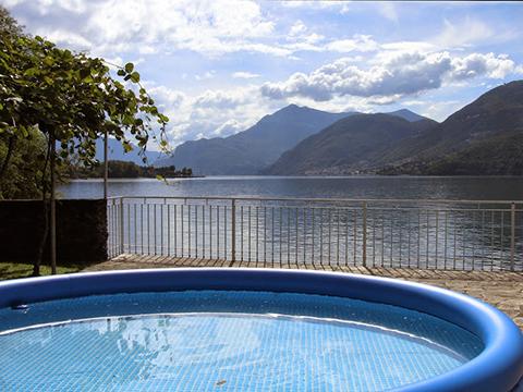 Bilder Ferienwohnung Miky_Secondo_Dervio_15_Pool in Comer See Lombardei