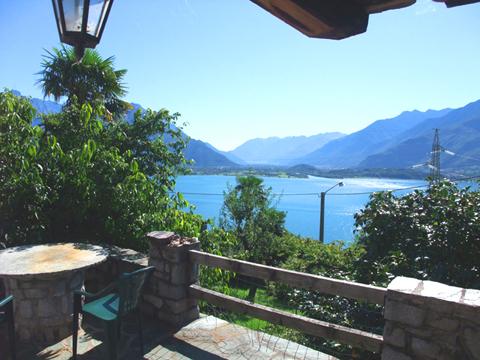Bilder Ferienwohnung Comer See Minerali_Vercana_20_Garten in Lombardei