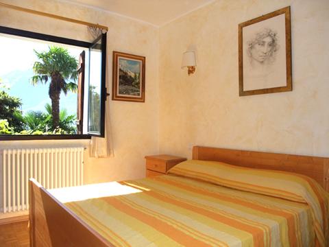 Bilder Ferienwohnung Comer See Minerali_Vercana_40_Doppelbett-Schlafzimmer in Lombardei