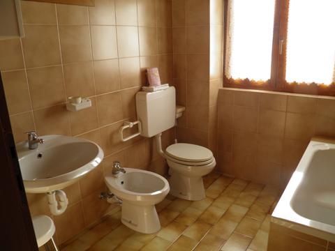 Foto van Agriturismo Hotel  Nadia_Peglio_50_Bad