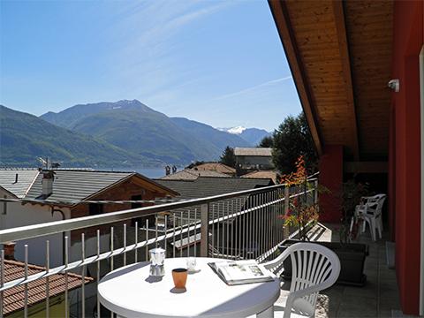 Bilder Ferienwohnung Nella_Pianello_del_Lario_11_Terrasse in Comer See Lombardei
