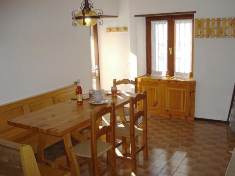 Bilder Ferienwohnung Nino_Naro-Gravedona_30_Wohnraum in Comer See Lombardei