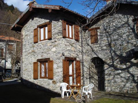 Bilder Ferienwohnung Nino_Naro-Gravedona_55_Haus in Comer See Lombardei