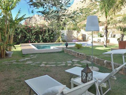 Bilder Villa Oliva_34__20_Garten in