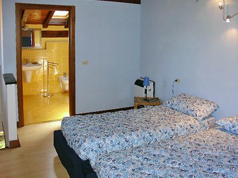 Bilder Villa Comer See Palazzetta_Domaso_46_Schlafraum in Lombardei