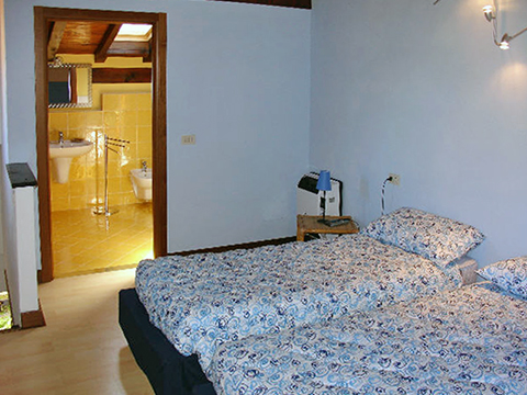 Bilder Ferienhaus Palazzetta_Domaso_46_Schlafraum in Comer See Lombardei