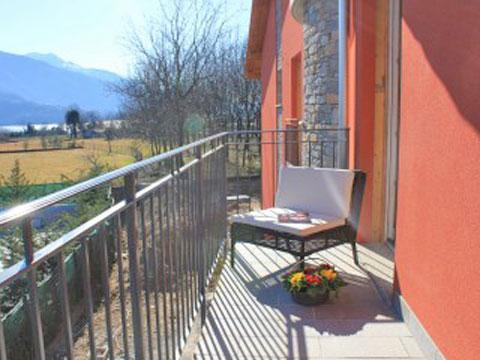 Bilder Ferienresidenz Comer See Paradiso_Legnone_Gravedona_11_Terrasse in Lombardei
