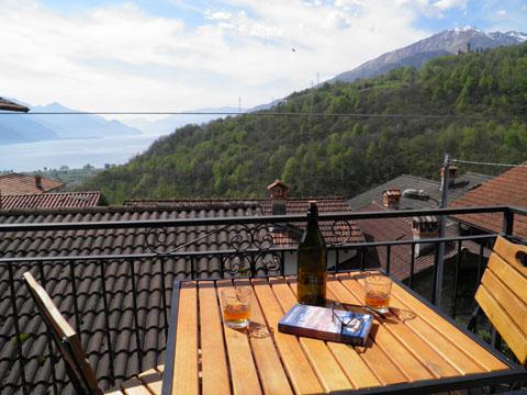 Bild von ferienhaus am Comersee Paula_Gravedona_10_Balkon