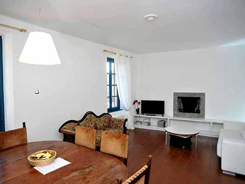Foto van Appartement Comomeer Pescallo_primo_piano_Bellagio_30_Wohnraum