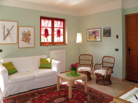Bilder Ferienwohnung Rosanna_Gera_Lario_31_Wohnraum in Comer See Lombardei