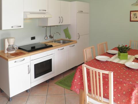 Bilder Ferienwohnung Rosanna_Gera_Lario_35_Kueche in Comer See Lombardei