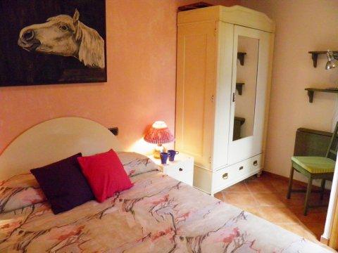 Bilder Ferienhaus Comer See Rosato_Gravedona_40_Doppelbett-Schlafzimmer in Lombardei