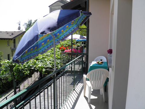 Bilder Ferienwohnung Rosi_Vercana_11_Terrasse in Comer See Lombardei